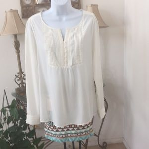 Top off white pleated front long sleeves Size S
